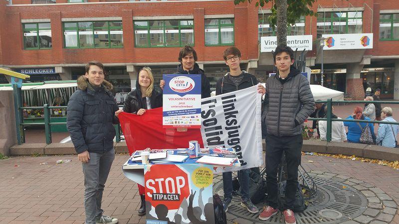 Linksjugend sammelt Unterschriften auf dem Aktionstag